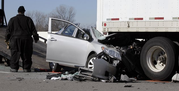 accident guys Two men were crushed to death in an industrial accident early this morning in the town of lockport.